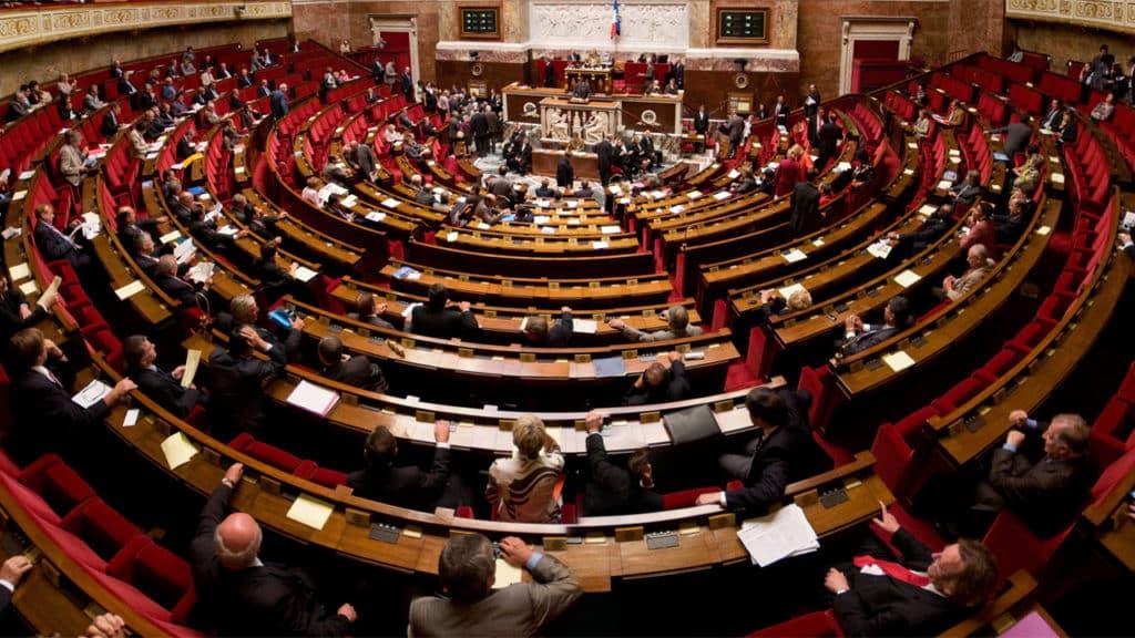 Assemblée nationale : la commission d'enquête sur les maladies professionnelles dans l'industrie veut doper le recours au document unique